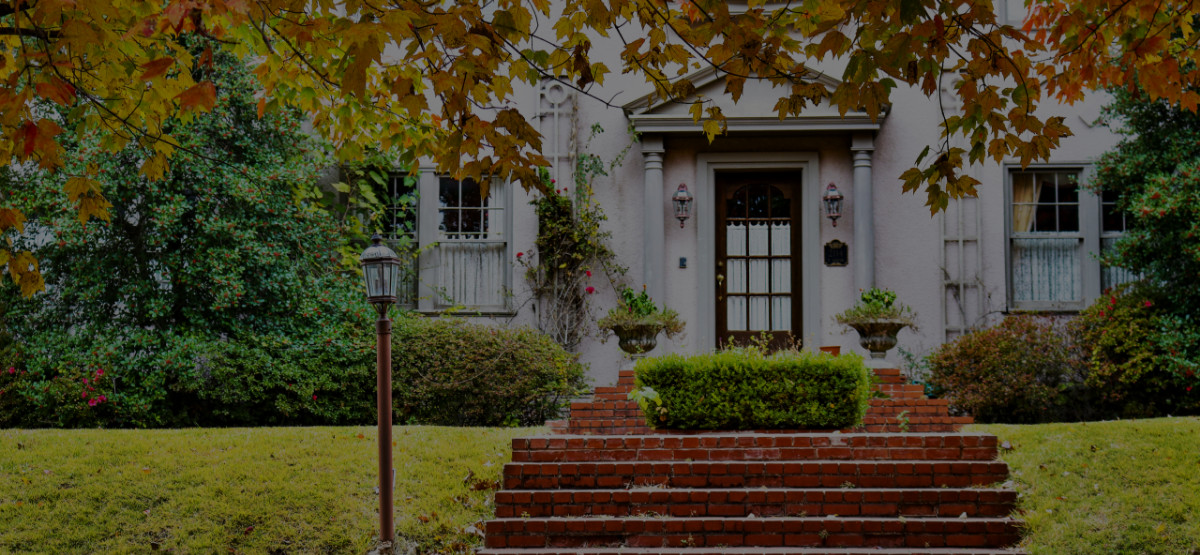 Tips for Creating Curb Appeal in the Fall and Winter