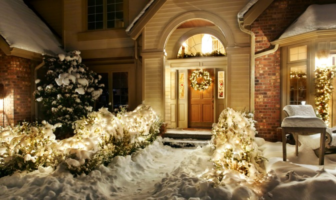 Lighting creating curb appeal in winter