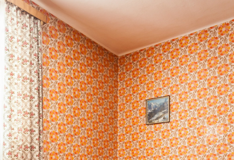 ugly wallpaper is bad interior decorating