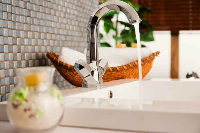 New Sink Basin High-End Home Staging