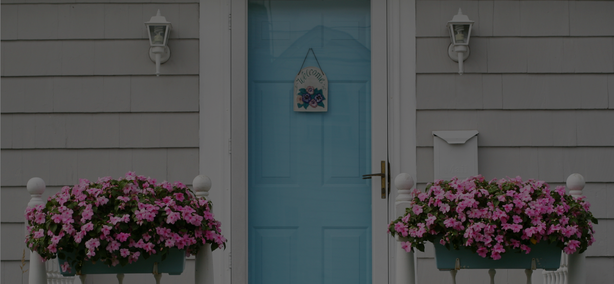 8 Quick Ways to Destroy Curb Appeal as a Home Stager