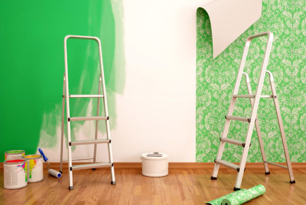 green paint or wallpaper - which is the better choice for an interior decorator or interior design client