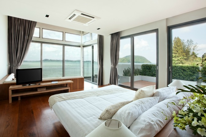 Interior decor ideas for oceanfront properties