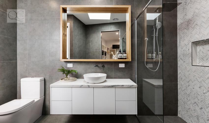 modern bathroom staging