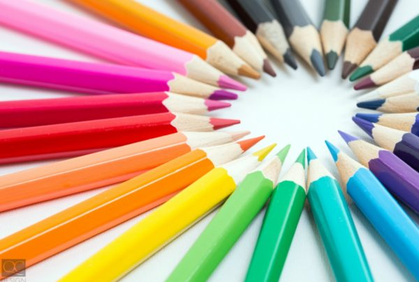 color trends of 2018 shown in the form of colored pencils