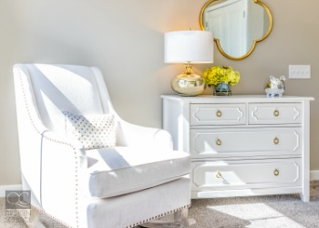 The slow season can be difficult for home staging professionals. Make sure you are supplementing your income as best as you can! Here is our guide to finding home staging jobs during the slow season!