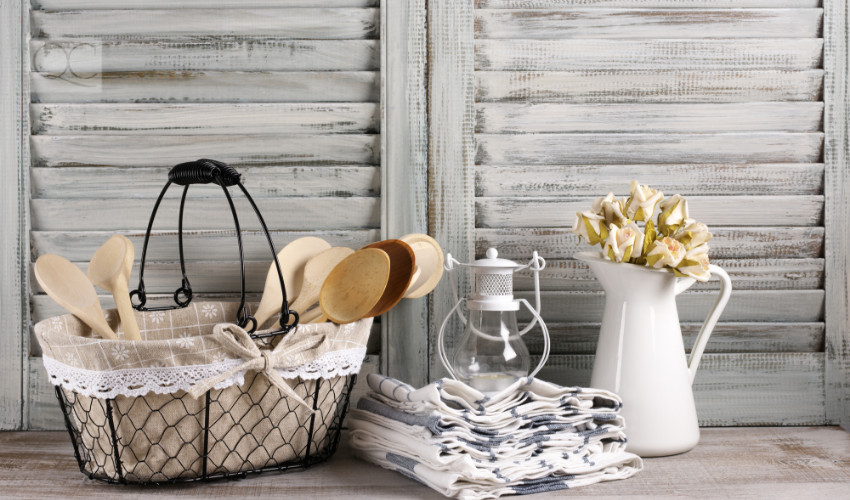 farmhouse chic decorating style