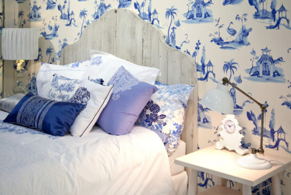 small printed wall paper bad interior decorating trend