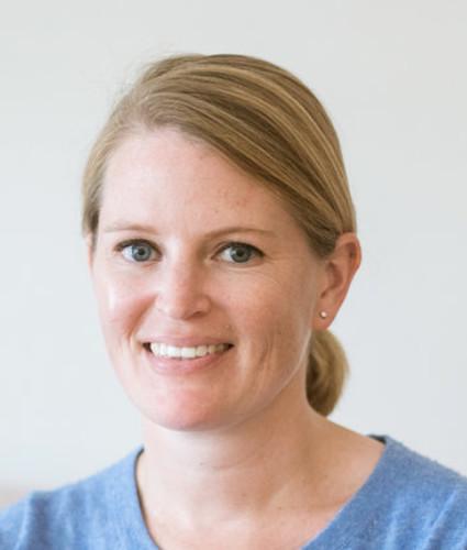Laura kelly - Palm Beach Sells - QC Design School graduate headshot