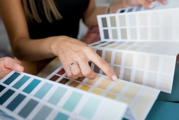How to become a color consultant Feature Image